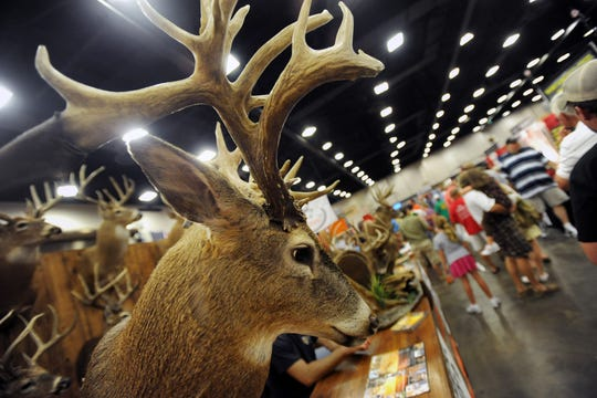 In the midst of controversy over the Mississippi Wildlife Federation's position on floodwater pumps in the south Delta, fewer vendors and attendees are expected at MWF's Mississippi Wildlife Extravaganza.