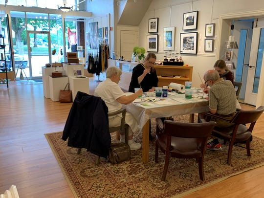 Cheryl Kaldahl helps students explore the relationship between music and painting in her innovative new class called Painting the Music, offered two Tuesdays a month through October at the Opera House Gallery of Contemporary Art in Delphi.