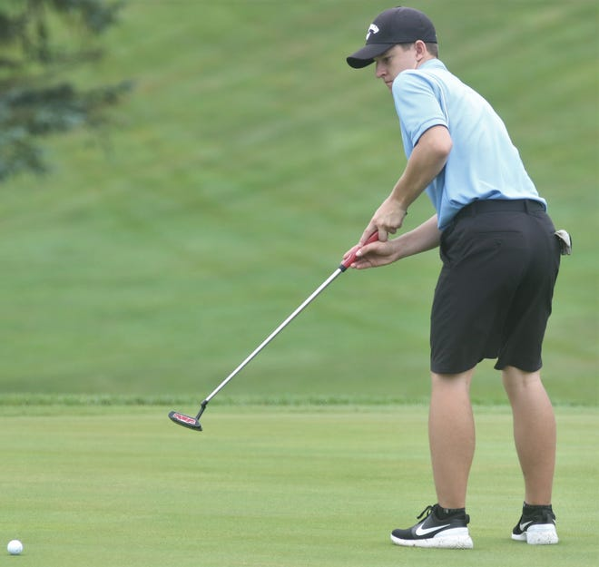 Lexington's Isaac Vance tore up the course with a 35 leading the Minutemen to a 152-153 victory over Mount Vernon.