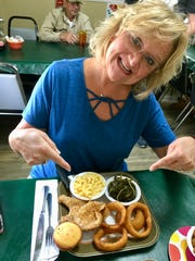 Christian comedian Chonda Pierce -- an Ashland City, Tenn., native -- at Cody's Diner