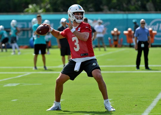 Josh Rosen is behind Ryan Fitzpatrick in the Miami Dolphins' quarterback competition.