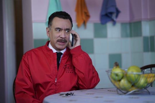 """Fotografía sin fechar cedida por HBO donde aparece el actor, guionista y productor estadounidense de origen venezolano Fred Armisen en su personaje de Tico de la serie """"Los Espookys"""", de HBO."""