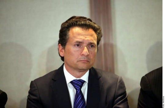 El ex director de Pemex, Emilio Lozoya (foto) presentó ante Erik Zabalgoitia Novales, juez Décimo Cuarto de Distrito en Amparo Penal de la Ciudad de México, el desistimiento de la medida protectora, informaron fuentes del Poder Judicial de la Federación.