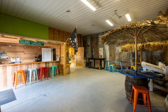 Jeanne and Richie Cunningham have been building Tiki-hut bars for clients for 13 years professionally and seven years full-time.