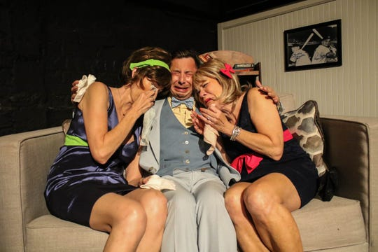 """Marguerite Crownover as Cecily Pigeon, Henry Allen Ralston as Felix Ungar, Susan Mathews as Gwendolyn Pigeon in """"The Odd Couple."""""""