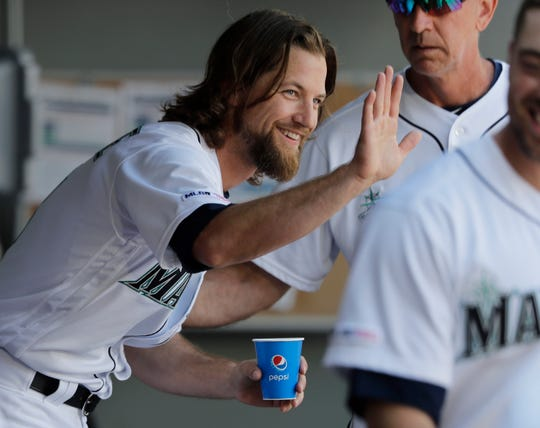 The Seattle Mariners traded starting pitcher Mike Leake to the Arizona Diamondbacks on Wednesday. Seattle also traded relievers Roenis Elias and Hunter Strickland to the Washington Nationals.
