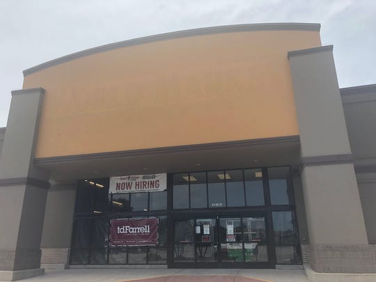 A Toal Wine & More is planned to open on Sept. 26 in Corpus Christi's Moore Plaza.