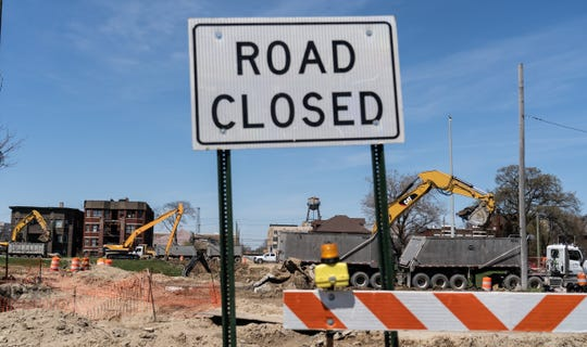 Operating Engineers Local 324 went on strike Wednesday, which could tie up state road projects.