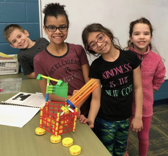 Bataan Elementary students enjoy their Makerspace