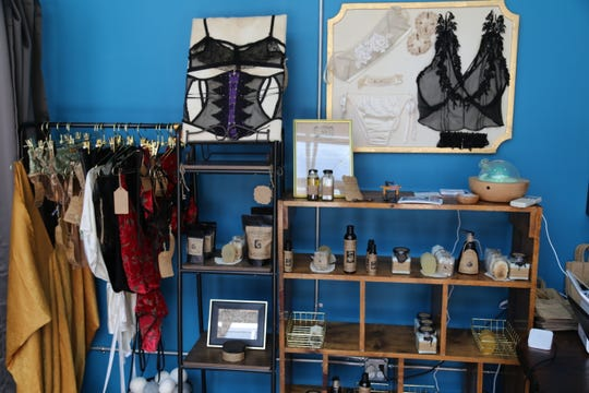 Adrina Dietra is a lingerie shop located in Press Bay Alley.