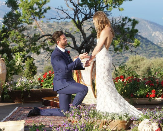 """Jed Wyatt and Hannah Brown on """"The Bachelorette"""" finale."""