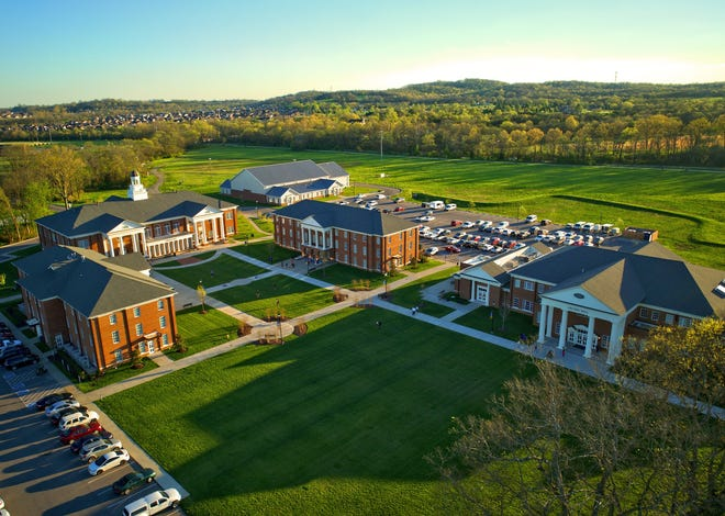 Welch students who complete an associate's degree in nursing will now be assured a spot in Union University of Hendersonville'snursing program, the college announced Tuesday.