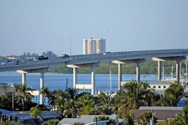 Bridge to Fort Myers from Fort Myers Beach.