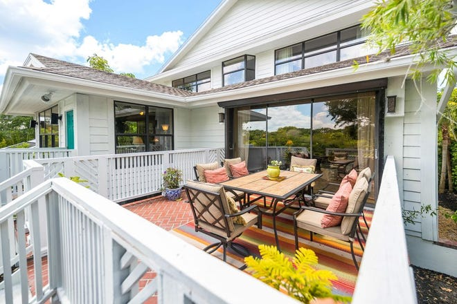 Short-term rental demand on Florida's West Coast continues to increase as winter nears.