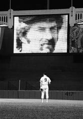 New York Yankees third baseman Graig Nettles bows his head on Aug. 3, 1979, the date after Thurman Munson died.