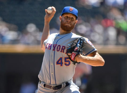 New York Mets starting pitcher Zack Wheeler (45) delivers the ball in the first inning against the Chicago White Sox at Guaranteed Rate Field.