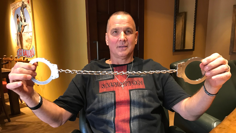 Arizona man will swim San Francisco Bay with his legs shackled