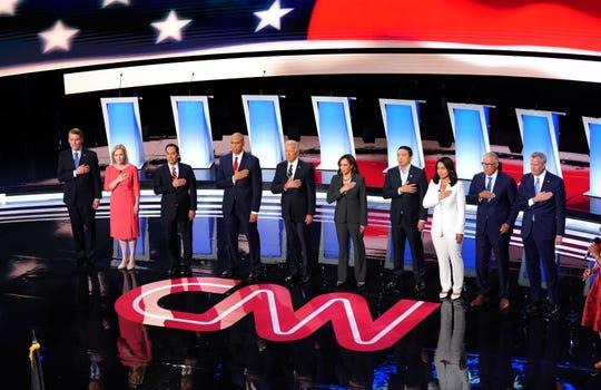 Los aspirantes demócratas a la presidencia de EEUU se aprestan a participar en la 2da jornada de debate.