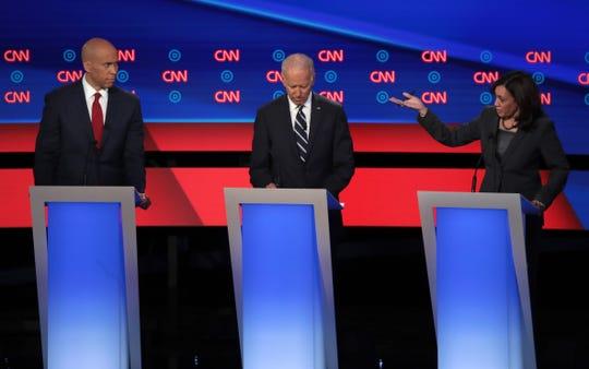 Joe Biden fue atacado por sus compañeros de partido por su participación como vicepresidente en las deportaciones de la era Obama.