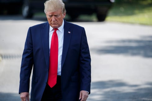 epa07752561 US President Donald J. Trump walks to board Marine One on the South Lawn of the White House in Washington, DC, USA, 01 August 2019. President Trump is traveling to Cincinnati, Ohio for a campaign rally.  EPA-EFE/SHAWN THEW ORG XMIT: STX02