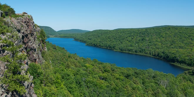 Lake of the Clouds landscape in Michigan's Porcupine Mountains Wilderness State Park.