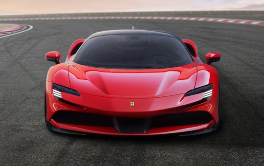The SF90 Stradale is the first Ferrari sports car to be equipped with 4WD, a step necessary to allow the incredible power unleashed by the hybrid powertrain to be fully exploited.