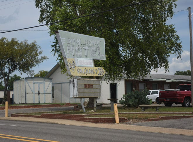 The public auction of the Mountain Home Motel has been canceled according to the Baxter County Sheriff's Office.
