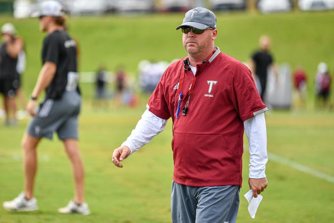 Troy football coach Chip Lindsey