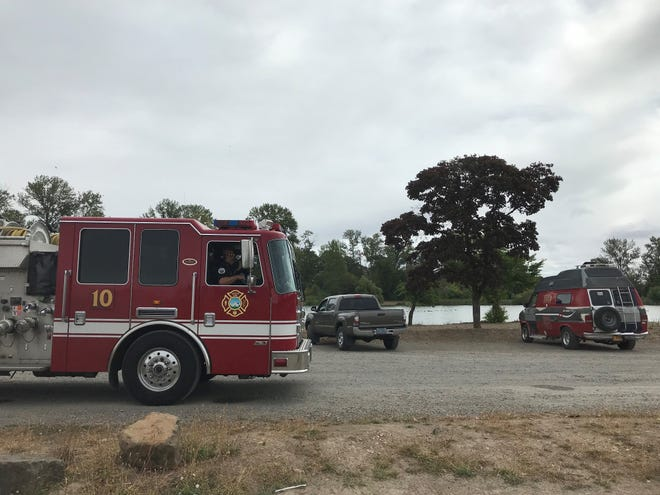 Salem Fire Department rescues two people in Lake Wirth
