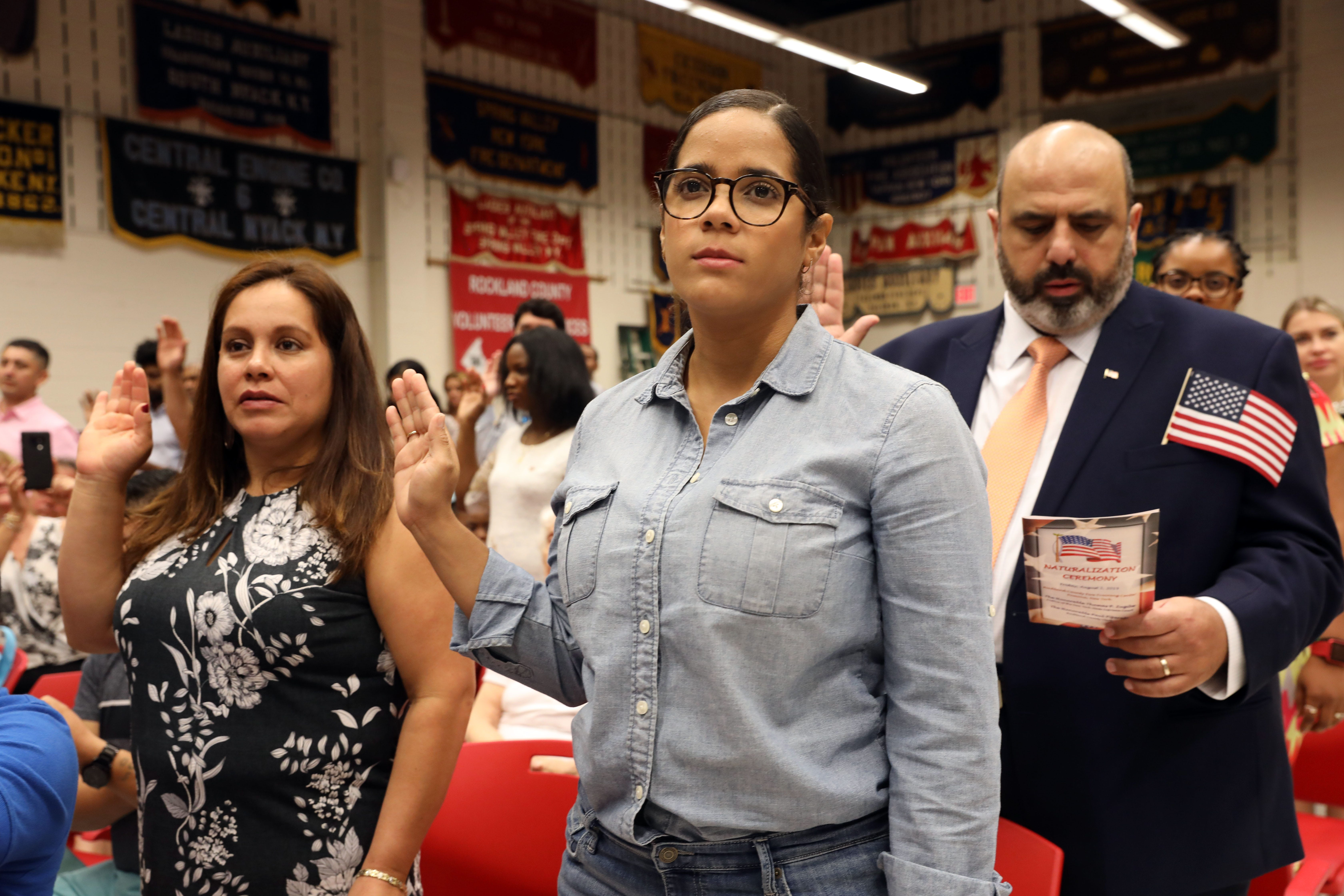Rockland welcomes new citizens in naturalization ceremony