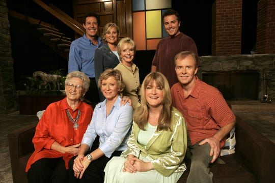 'The Brady Bunch' cast members - clockwise from top left, Barry Williams, Maureen McCormick, Florence Henderson, Christopher Knight, Mike Lookinland, Eve Plumb and Ann B. Davis - got together for a 35th anniversary reunion special in 2004.