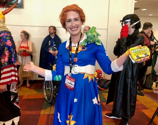 """Ali Coats came dressed as the beloved Ms. Frizzle from """"The Magic School Bus."""""""