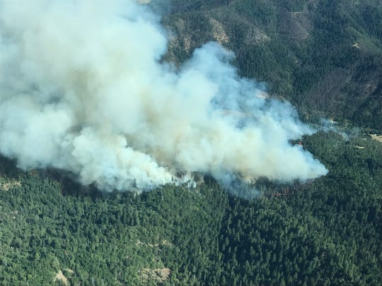 Views of the East Evans Fire, burning in southwest Oregon, from above.