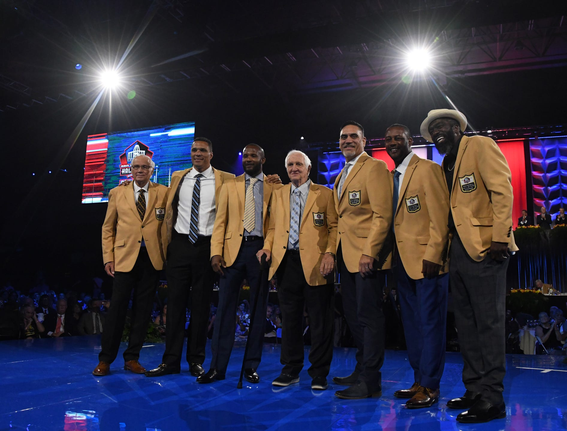 sports shoes 32ad4 5092d Best photos from Pro Football Hall of Fame Gold Jacket Dinner