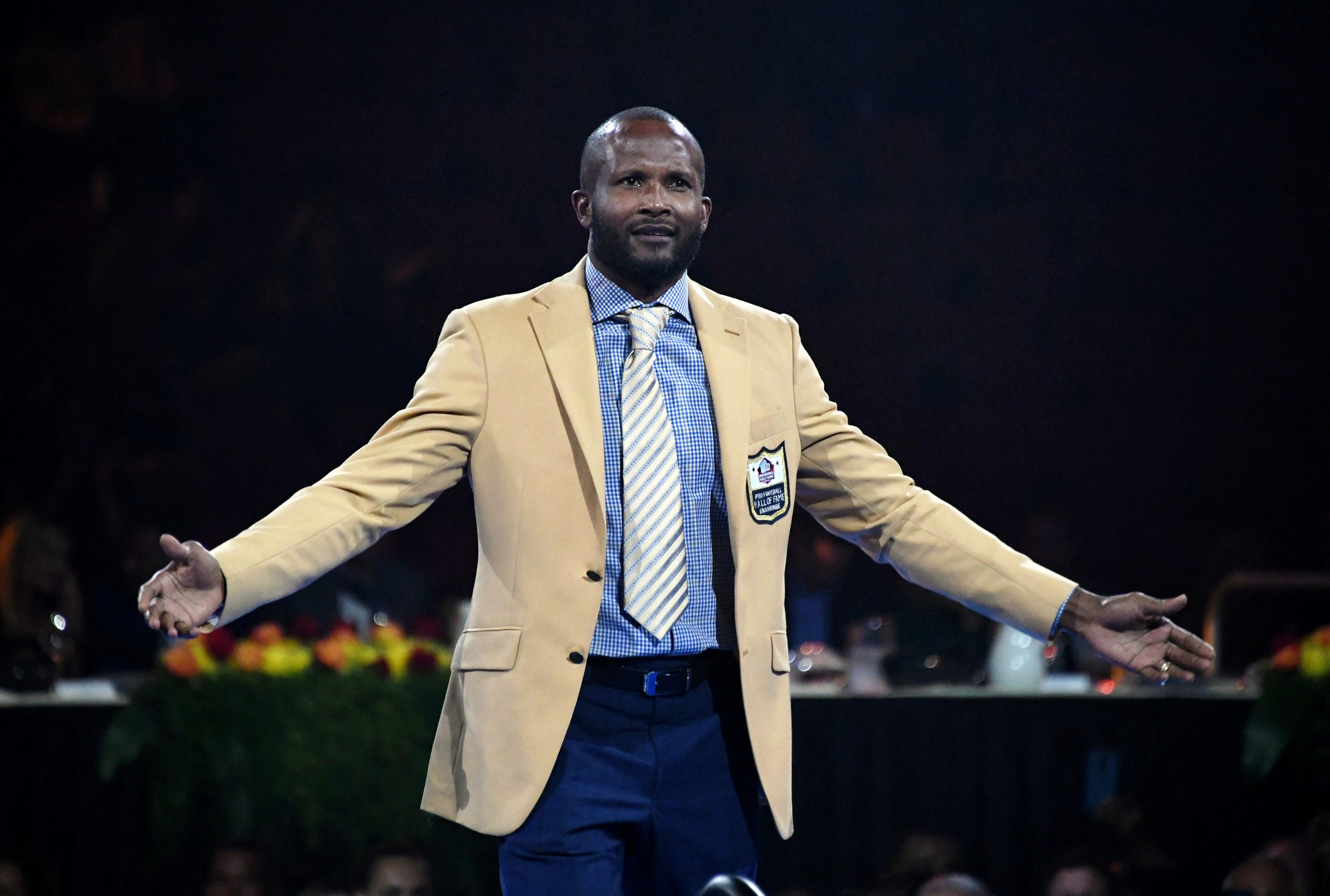 sports shoes 515cc 0ec8a Best photos from Pro Football Hall of Fame Gold Jacket Dinner