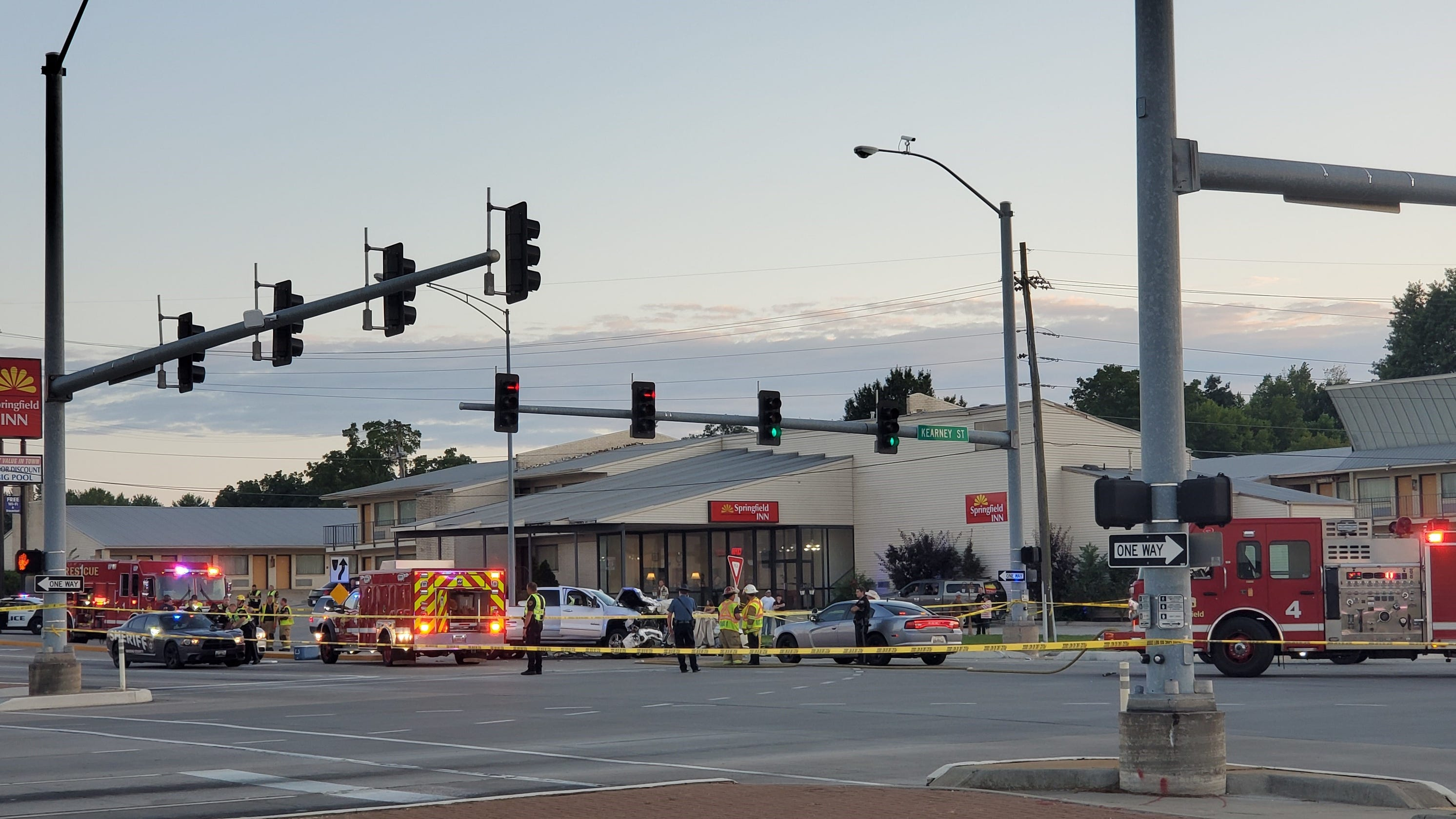 At least 3 dead in crash at Kearney and Glenstone