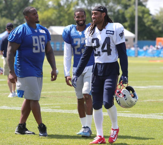 0bbaaa22 Detroit Lions show 'juice' at practice; Mike Daniels contract details