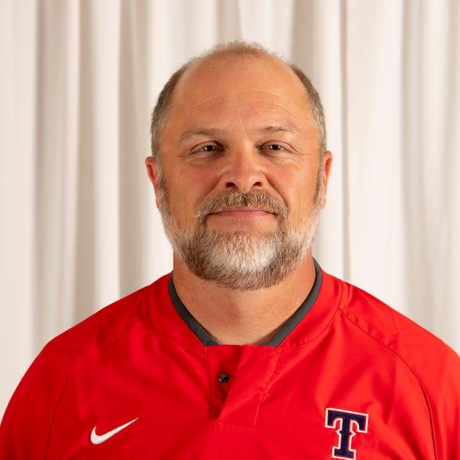 Jeff DamingHead CoachTecumseh