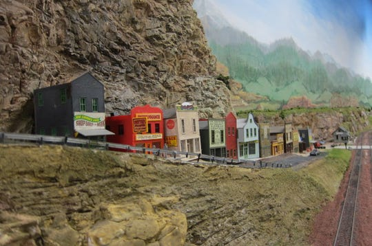 Scenery at Clipper City Model Railroad Club at Manitowoc County Expo grounds.