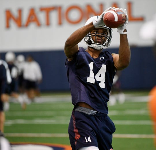 Auburn wide receiver Zach Farrar makes a catch during practice on Saturday, Aug. 3, 2019 in Auburn, Ala.