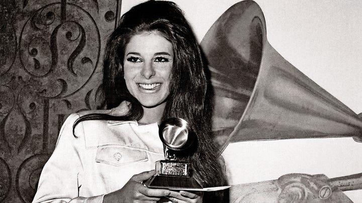 What happened to singer Bobbie Gentry?