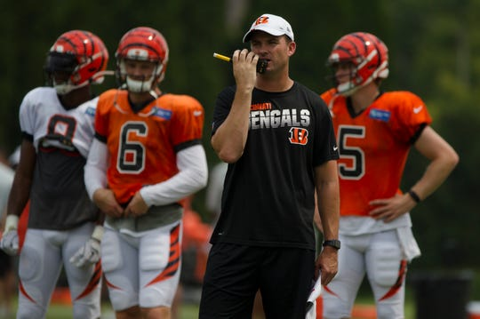 Cincinnati Bengals head coach Zac Taylor calls a play during Bengals training camp on Aug. 6, 2019, in Cincinnati.