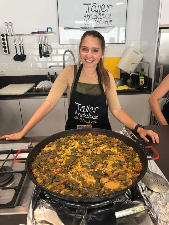 Foreign Fork blogger Alexandria Drzazgowski  at a cooking class in Sevilla, Spain.