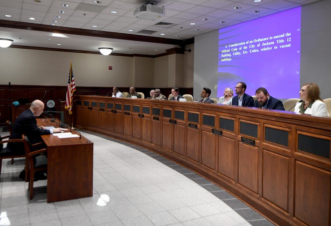 City of Jackson Planning Director Stan Pilant addresses the city council during first read about an ordinance about vacant builidings during the August 6 meeting.