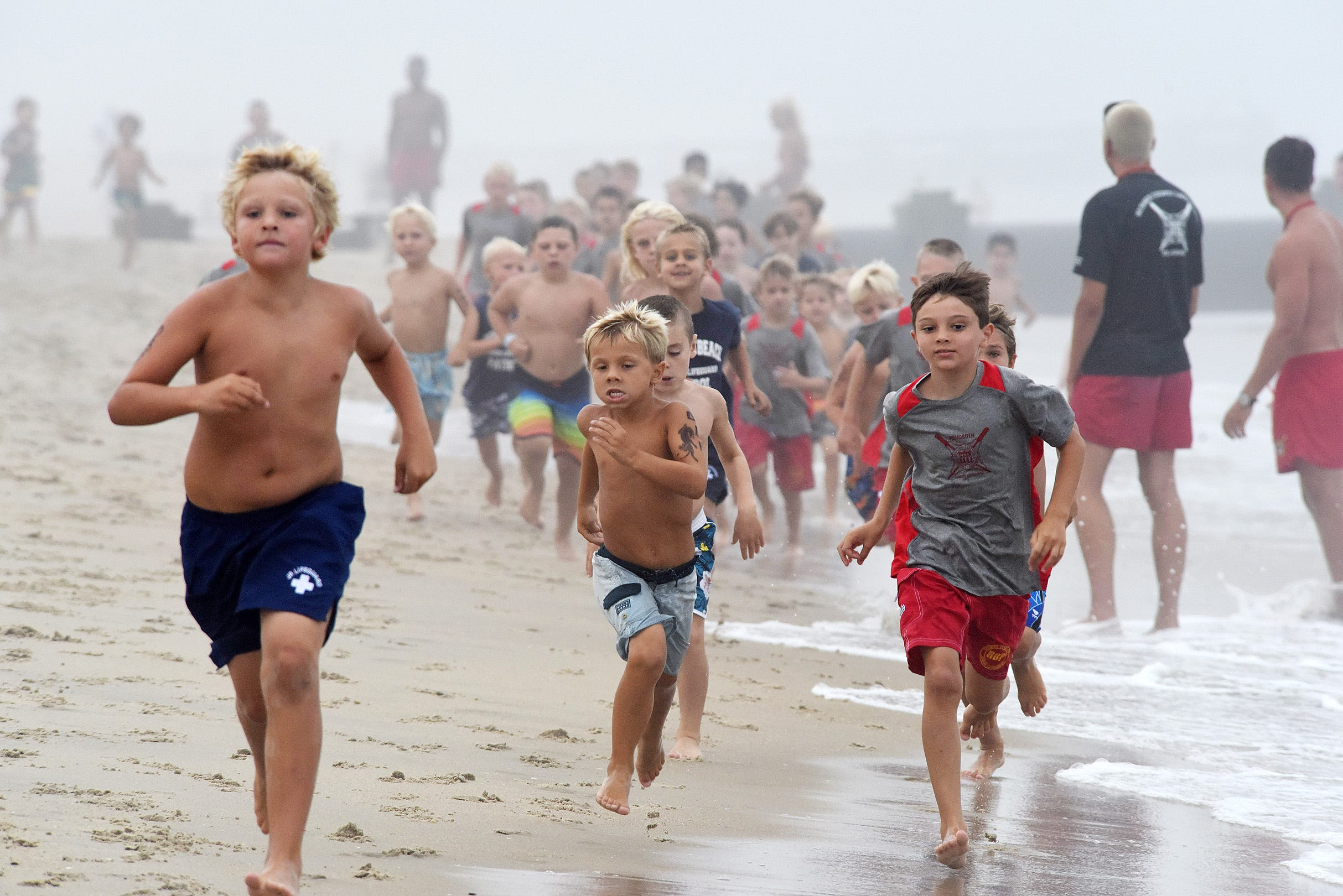 Suining Beauty Deer Sleeping Swim Beach Trunks Cargo Shorts For Mens