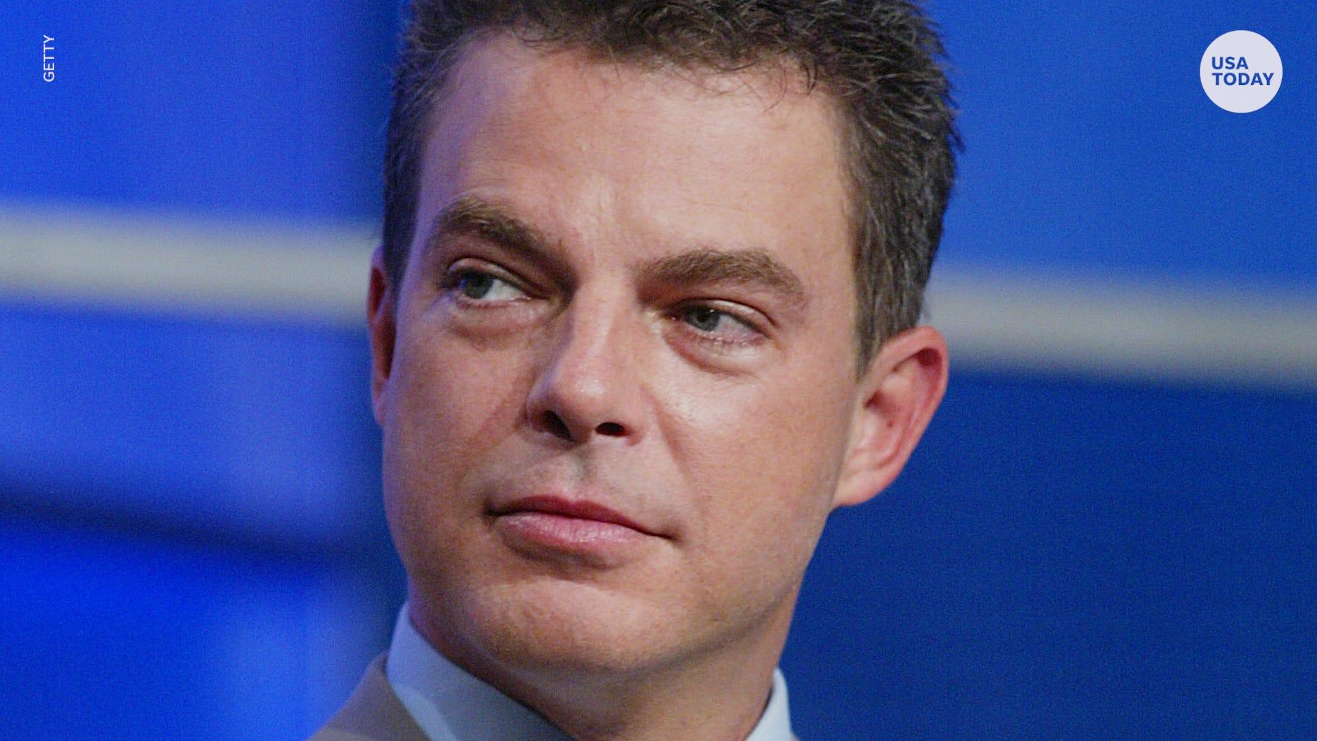 Shepard Smith decries  press vilification  in first speech since leaving Fox News