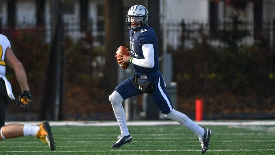 Monmouth quarterback Kenji Bahar threw a touchdown pass with 22 seconds remaining to give the Hawks a 16-14 victory at Wagner on Saturday night.
