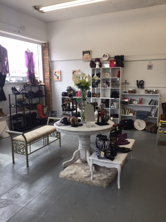 Antoinette's Urban Chic has opened in Oak Park and offers new and vintage items.