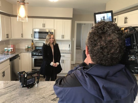 "Real estate agent Alesia Fugleberg of Redefined Realty Advisors in Delafield is going to be on HGTV's ""House Hunters"" Aug. 7."