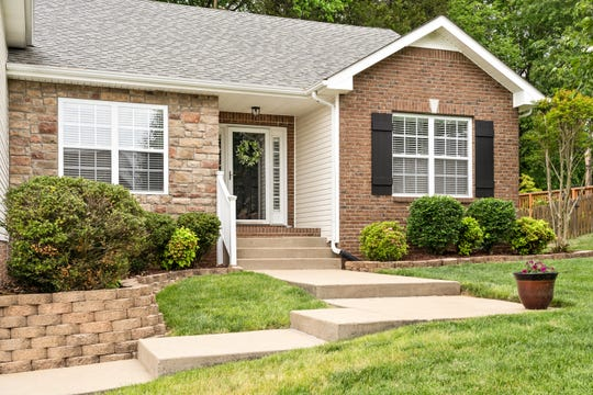 Despite there already being several attractive offers, Rebecca and Chris Winkler were able to get their dream home.